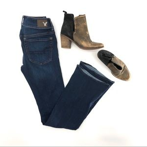 American Eagle Artist Flare Jeans. Size 6 long!